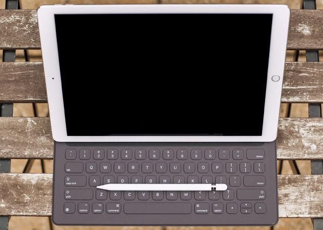 iPad Pro, Smart Keyboard & Apple Pencil Review ipad pro setup1