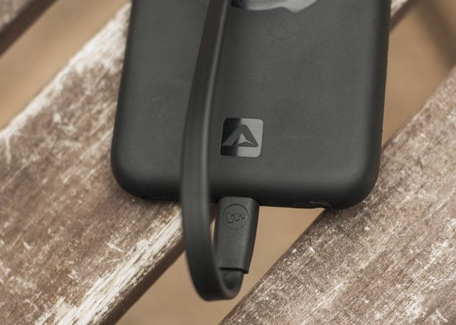Lightning Cable Review Round-Up mophie3