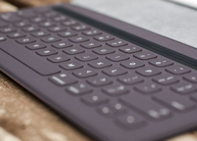 iPad Pro, Smart Keyboard & Apple Pencil Review smart keyboard1