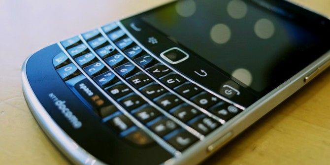 Facebook Drops BlackBerry, Uber Begs to Be Hacked.. [Tech News Digest]