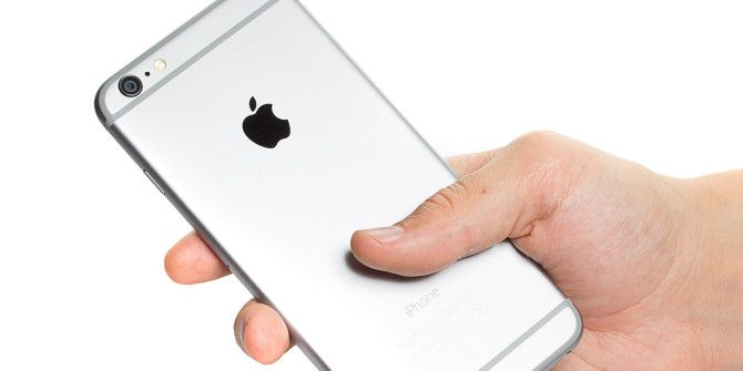 How to Make an iOS App Folder With No Name