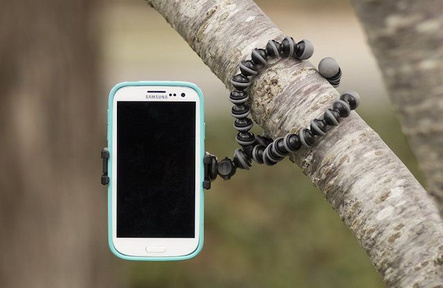 best-phone-tripod-Gorillapod-hugging