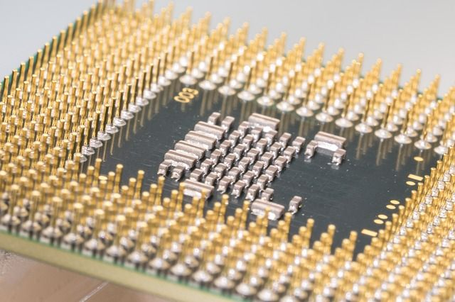 compare-cpu-processor-closeup