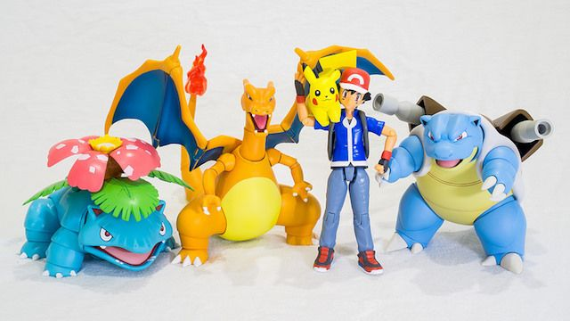 Pokemon Collectible Figures Venusaur Charizard Pikachu Ash Blastoise