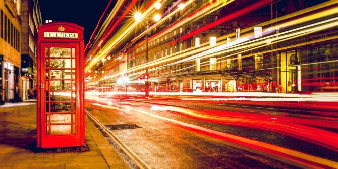 How to Take Photos With Light Trails in 5 Easy Steps