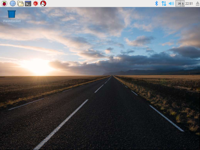 Raspberry Pi: The Unofficial Tutorial muo linux raspbian pixel desktop