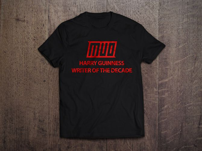 MakeUseOf T-Shirt Mockup on Black