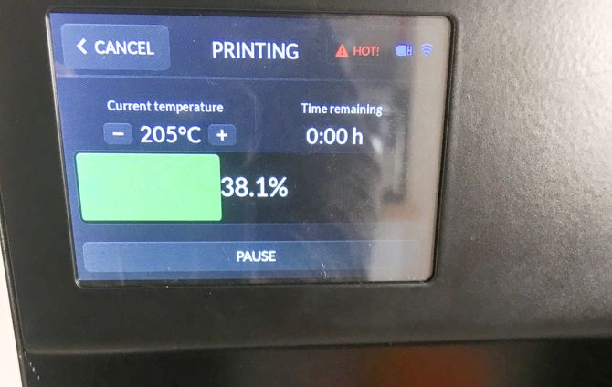 Skriware 3D Printer Review skriware LCD touchscreen
