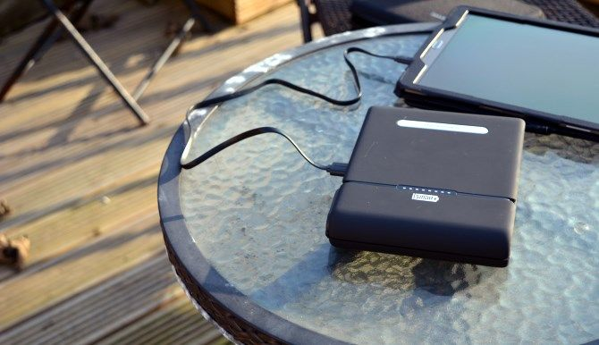 RAVPower 27000mAh Portable Charger Review muo hardware ravpower tablet