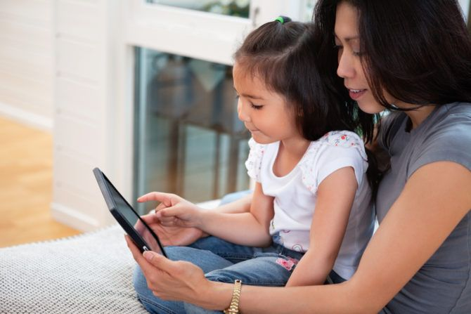 mother daughter reading ebook