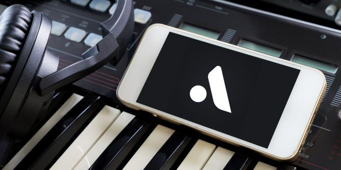 Move Over GarageBand: Making Music With Auxy for iPhone and iPad