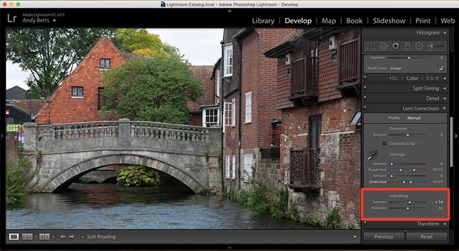 lightroom fix vignetting