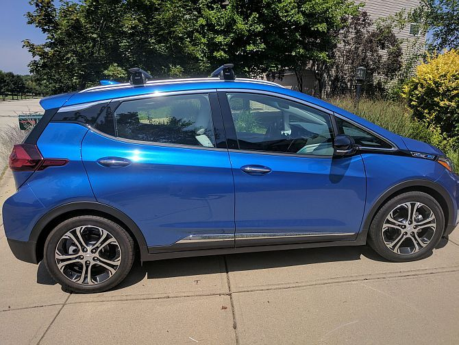 Chevy Bolt EV Hands-On: Apparently, Electric Cars Don't Suck Anymore Bolt EV2