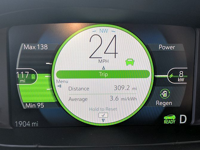Chevy Bolt EV Hands-On: Apparently, Electric Cars Don't Suck Anymore bolt dashboard2