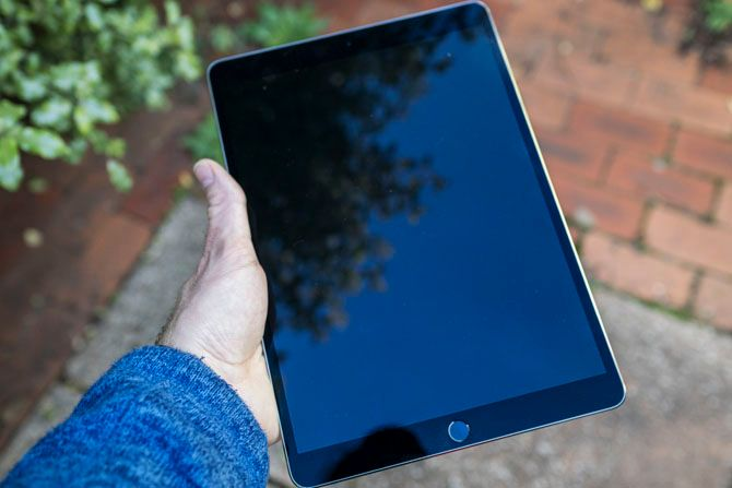 iPad Pro 10.5 Review: Is the Best iPad Good Enough? ipad pro 105 hand