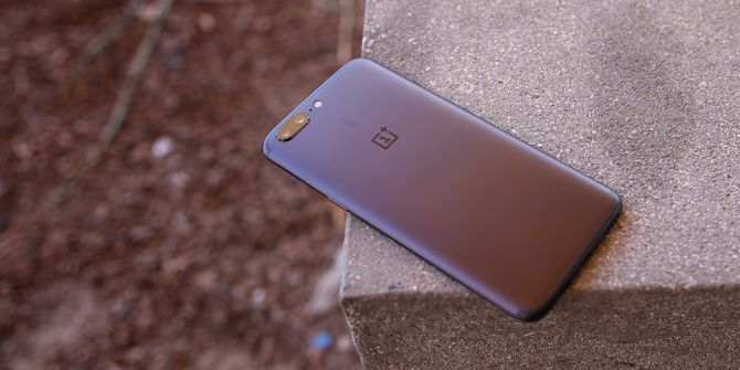 OnePlus 5 Review: Seriously, This is the Best Android Right Now oneplus 5 back