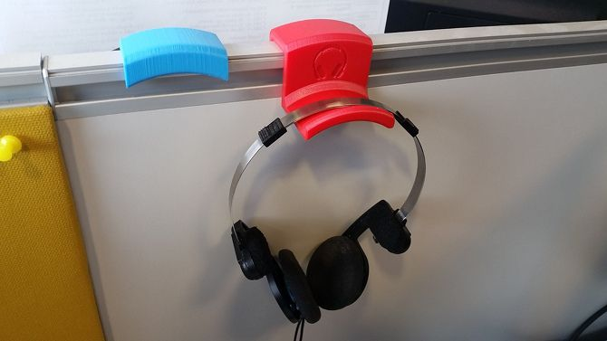 20 Awesome 3D Printing Ideas for Students and Dorm Rooms thingiverse headphone hanger