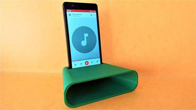 20 Awesome 3D Printing Ideas for Students and Dorm Rooms thingiverse smartphone amplifier