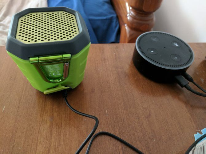 Hook up echo dot to speakers