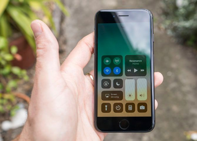 iPhone 8 Review: Smart Phone, Dumb Upgrade iphone 8 6