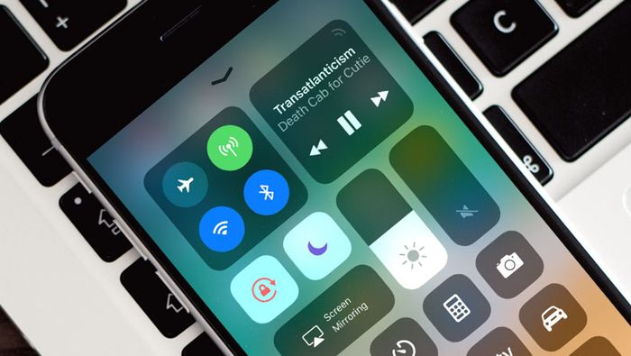 practical things iphone can do that android won't