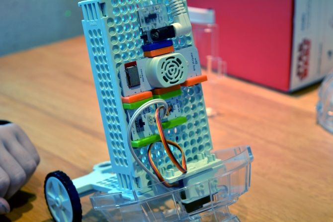 Build Your Own Star Wars Droid for Under $100 with littleBits muo giveaway r2d2 wheels