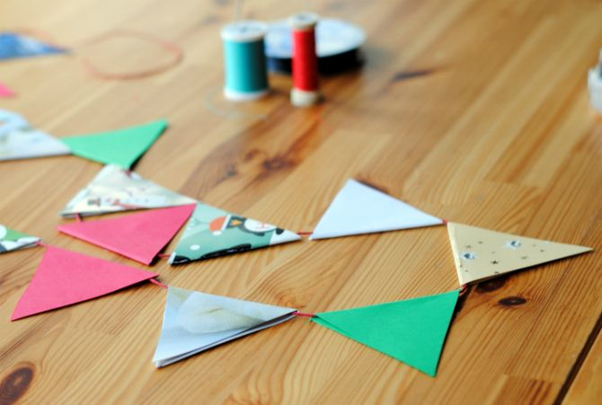 10 Christmas Decorations You Can Easily Make From Recycled Materials recycled bunting 670