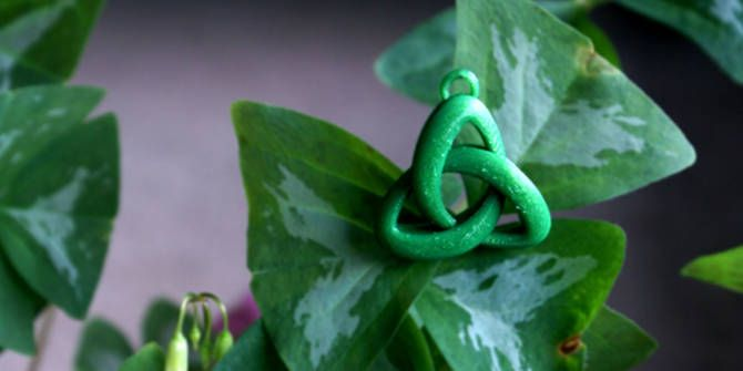 3D printed trinity knot pendant