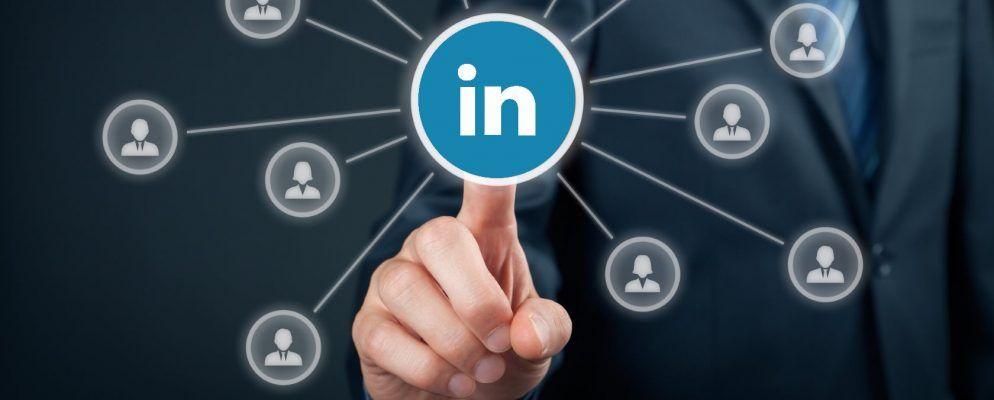 Wie Sie Ihren Nachnamen auf LinkedIn