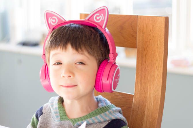 Mindkoo Unicat Cat Ear Headphones: Cute, and They Light Up mindkoo unicat big for kid