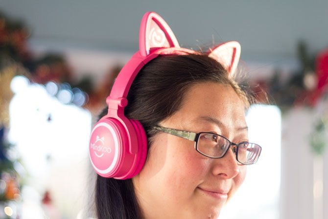 Mindkoo Unicat Cat Ear Headphones: Cute, and They Light Up mindkoo unicat side
