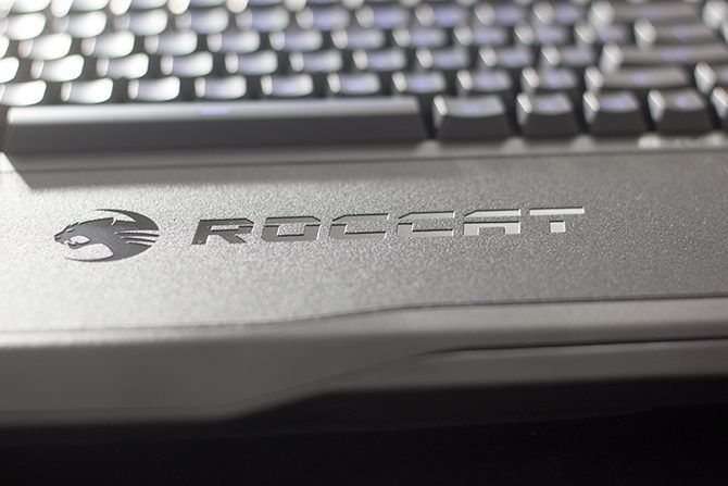 Roccat Sova Review: This is The PC Gaming Lapboard to Buy Sova4 670x447
