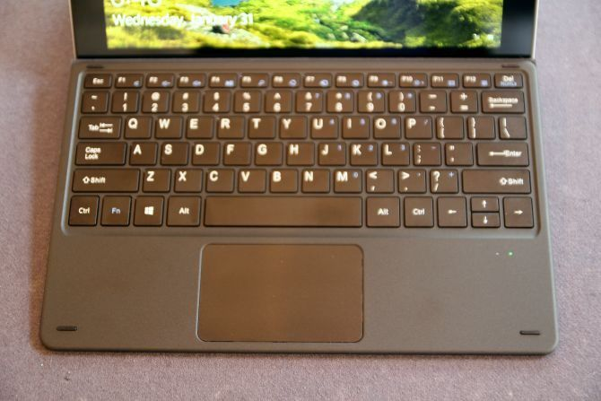 Chuwi SurBook Mini 2-in-1 Tablet Review keyboard muo stock chuwi surbook mini 670x447