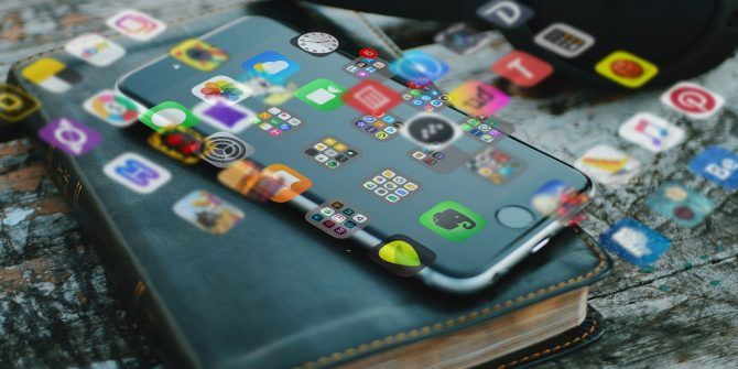 5 Handy Tips for Organizing Your iPhone and iPad Apps More