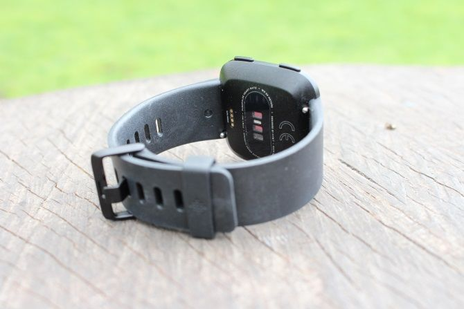 Fitbit Versa Review: Fitbit's Best Wearable Yet? Fitbit Versa 2