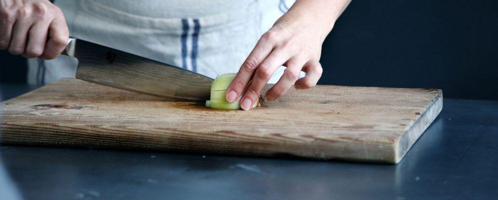 Kochen für Anfänger: 5 wesentliche Seiten für Neulinge in der Küche