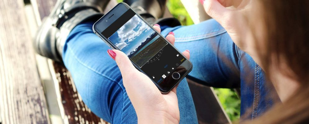 8 Basic iPhone Photo Editing Tasks You Should Know How to Do