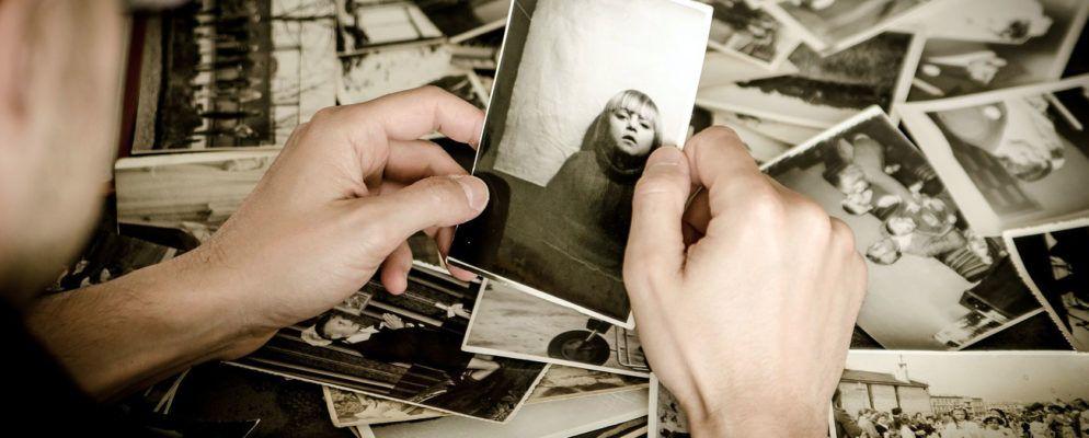 Die 3 besten Möglichkeiten, Ihre alten Fotos zu scannen (und warum Sie sollten)