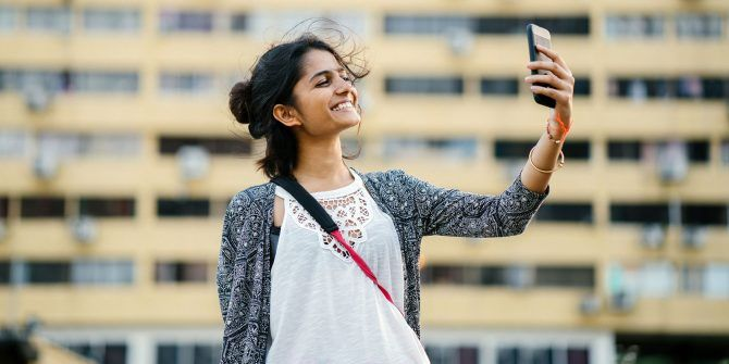 5 Apps and Guides for Taking Better Selfies: Tips You Don't Want to Miss