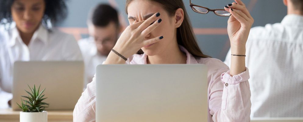 5 Signs You Have Computer Eye Strain (And How to Relieve and ...