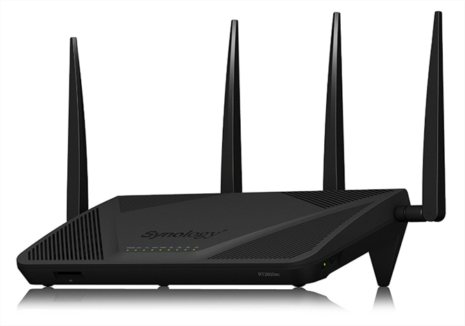 what is the difference between a router and a modem