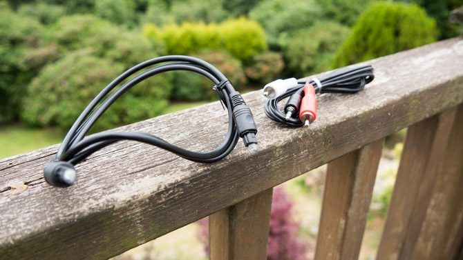 The Blitzwolf soundbar comes with a TOSLink and RCA cables