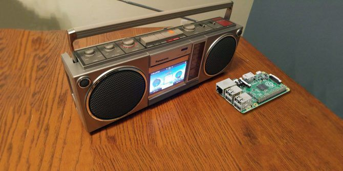 10 Awesome Ways to Upcycle Old Devices With a Raspberry Pi