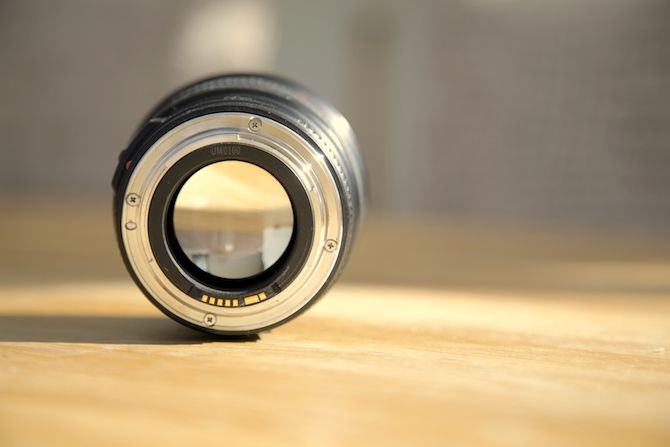 Lens on table with correct white balance