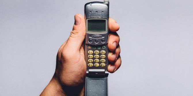 I Used a Dumbphone for a Year: Here Are 8 Lessons I've Learned