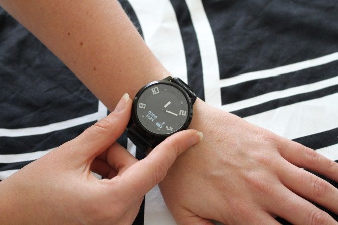 Lenovo S Watch X Is An Attractive But Terrible Smartwatch The