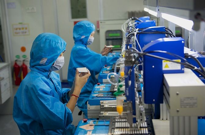 Electronics Production Line In Chinese Factory