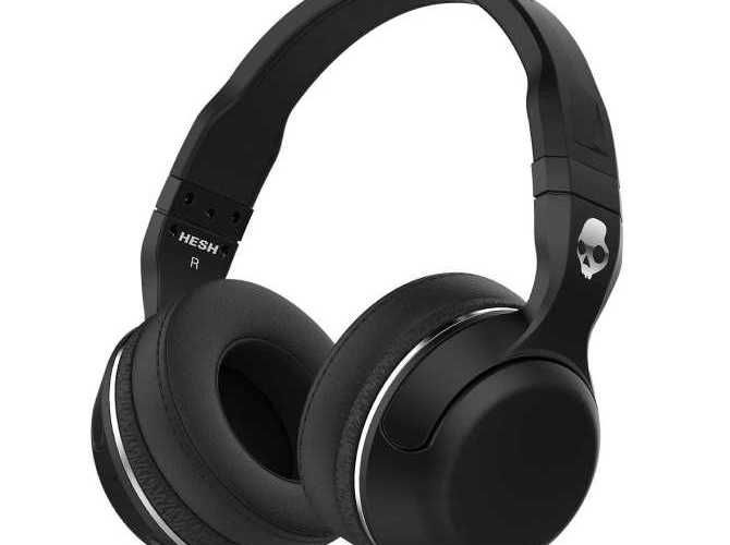 A set of Hesh 2 Bluetooth headphones from Skullcandy