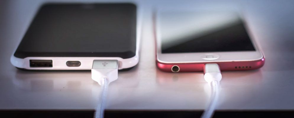 Is It Safe To Use Your Phone While It S Charging Dignited