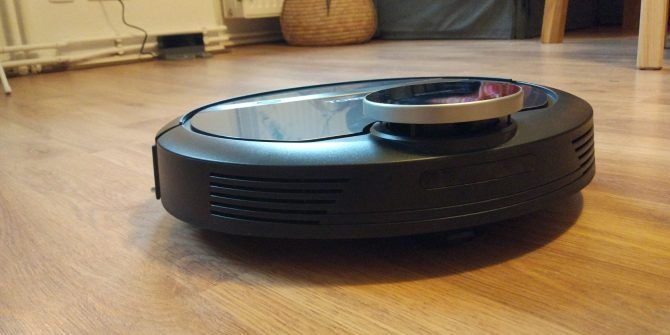 Ecovacs Deebot 901: Great Robot Vacuum, Ruined by a Broken App (Review and Giveaway)